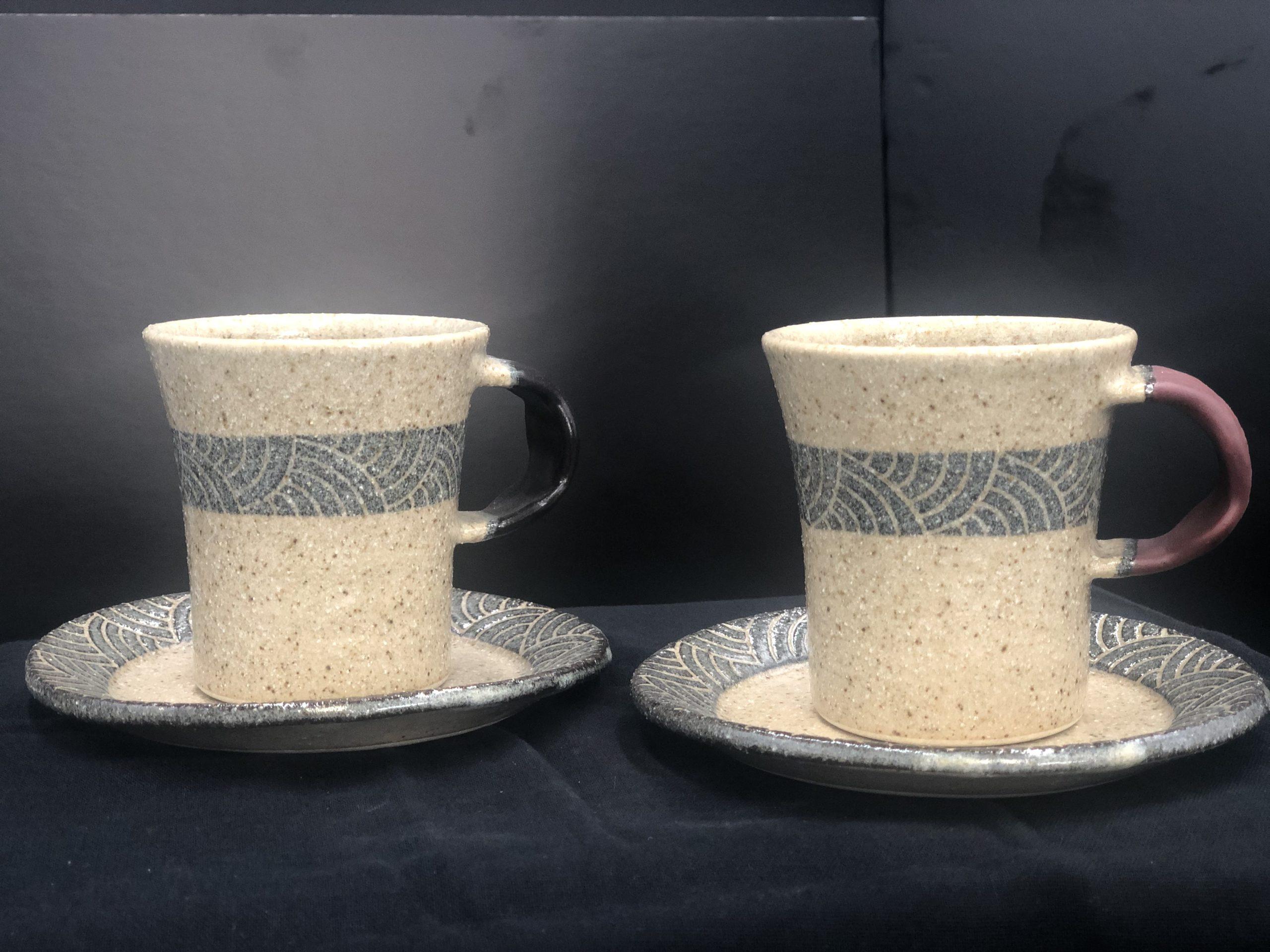 コーヒーソーサー兼直13丸平皿とセットで使うと素敵です。ペアで贈り物としても喜ばれます。