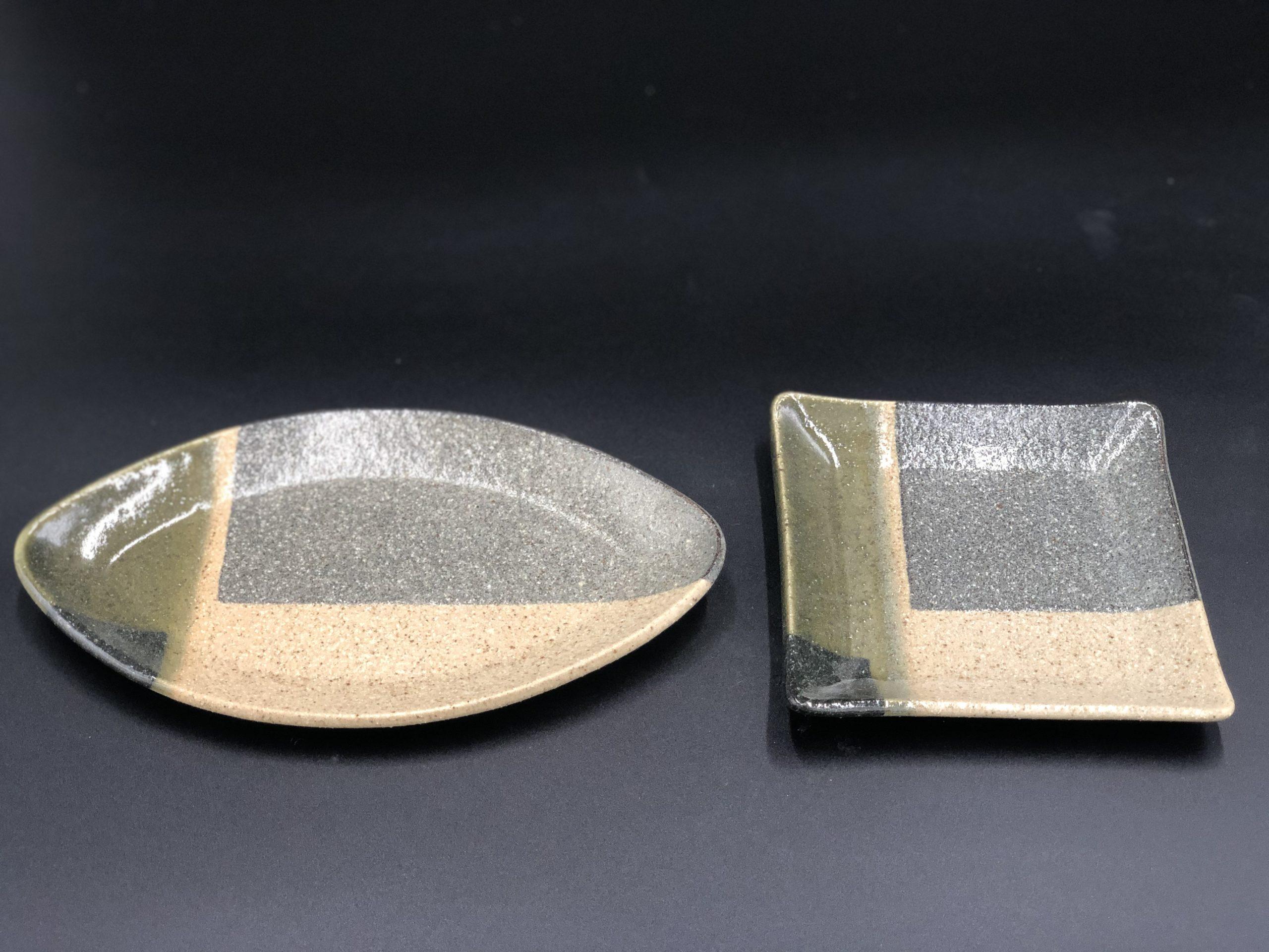 左・L23葉っぱ皿(木の葉皿)        右・L14四方皿
